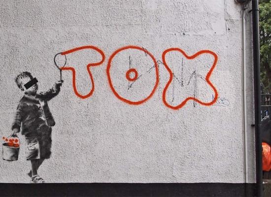 Banksy_tox_Camden-London